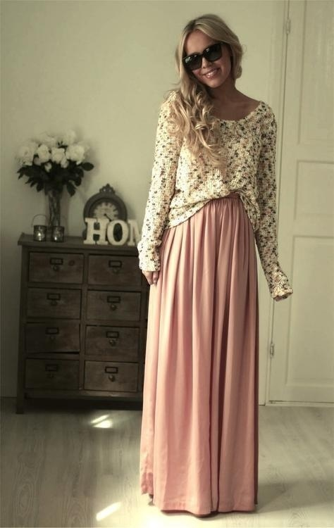 10 Maxi Skirt Outfit Ideas for Ladi