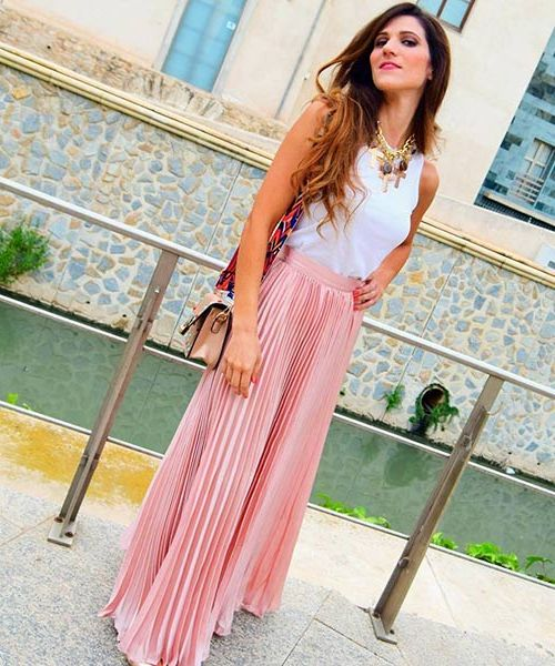 How To Wear Maxi Skirts Street Style Ideas 2020 | Style Debat