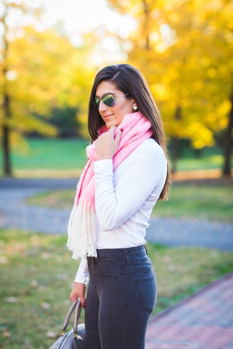 Oversized Pink Scarf | Spring outfits women casual, Womens_fashion .
