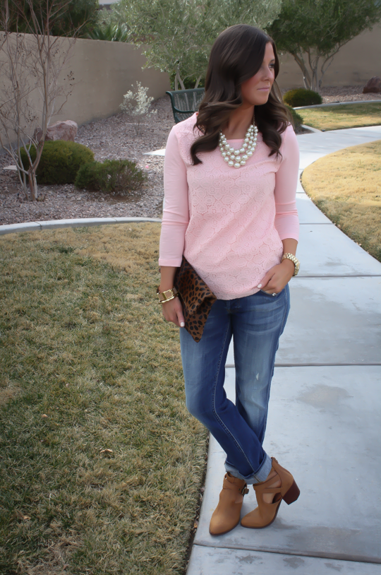 old navy top | Pink sweater outfit, Pink sweater outfit winter .