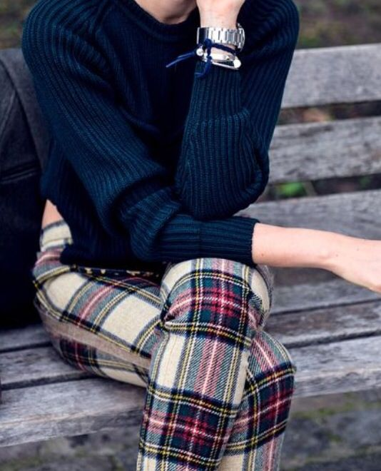 Plaid Leggings: 14 Amazing and Cozy Outfit Ideas - FMag.c