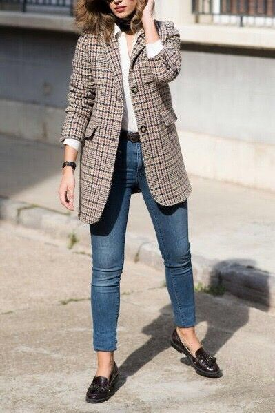 Plaid blazer outfits street fashion. Fall winter styles. Casual .