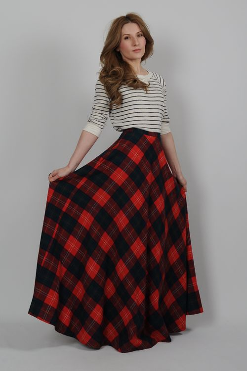 vintage 70s plaid WOOL high waisted ULTRA FULL maxi Skirt XS .