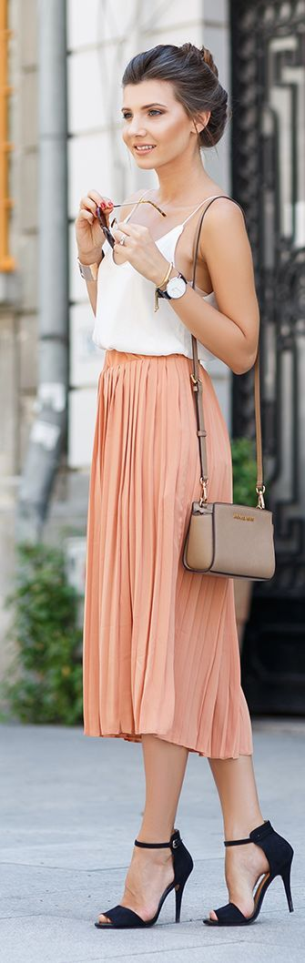 The Mysterious Girl Coral Pleated Culottes Outfit Idea .