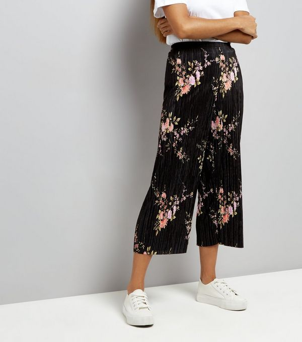 Petite Black Floral Print Pleated Culottes | Fashion, Cullotes .
