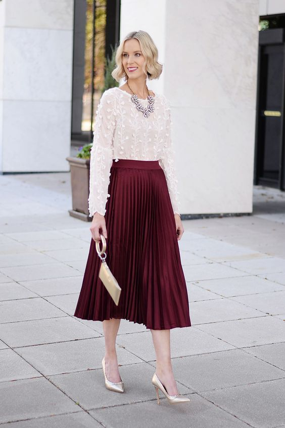 50+ Christmas Classy Outfits Ideas To Wear This Year 19 | Burgundy .