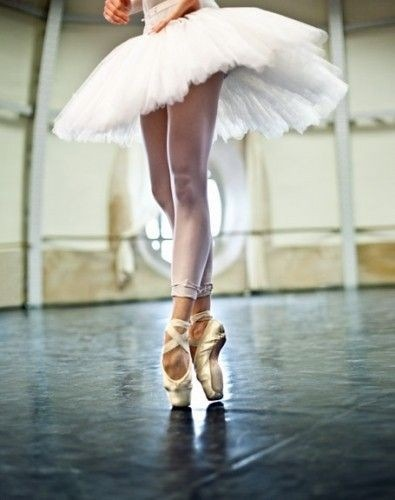 beauty, poise, strength | Dance...dance | Ballet photography .