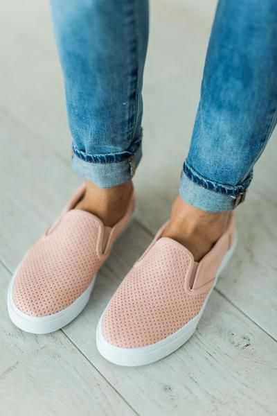 Women Shoes in 2020 | Shoes, Fashion boots, Cute sho