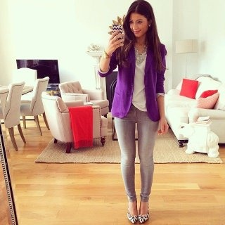 What should I wear with a purple blazer? I thought of wearing a .