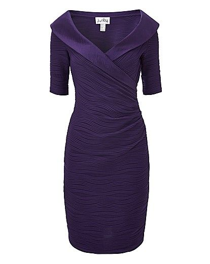 Women Over 50 Slimming Down For Christmas Parties | Party dresses .