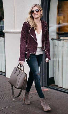 40 Adorable Outfit Ideas For This Winter: Purple Jacket / White V .
