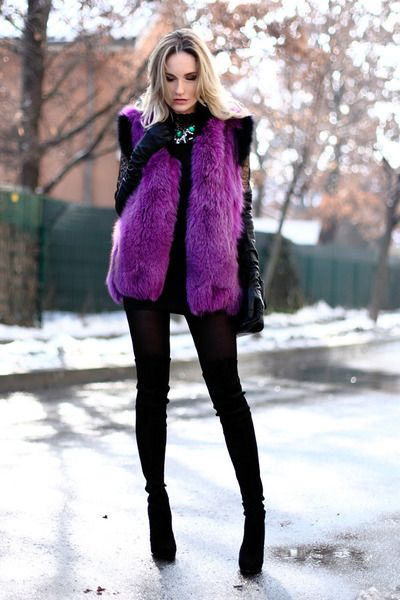 Love the purple fur vest. You don't see that color everyday! | Fur .