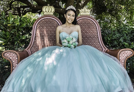 Quinceañera Dresses - We look at the Important Day of Fifteen Year .