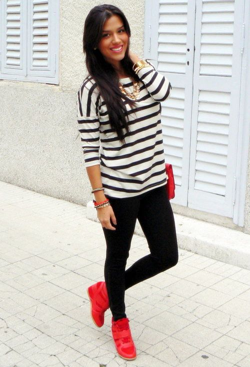 Amisu T Shirts, Zara Leggings and j flowers Sneakers | Red .