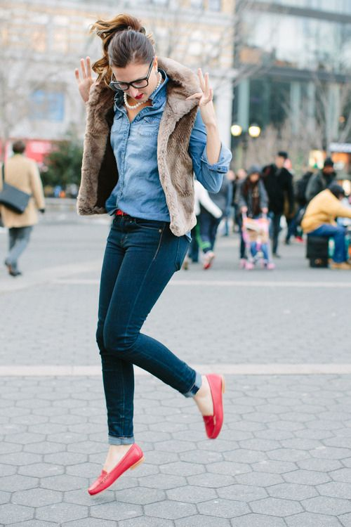 So cute. Fur vest jeans and I love red shoes. (With images) | Red .