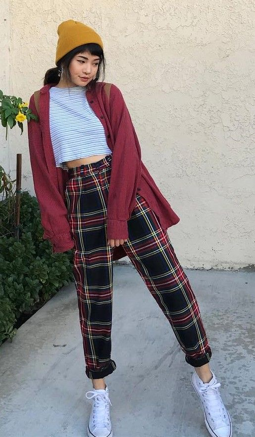 29 Cool Ways to Wear Plaid Pants | Aesthetic clothes, Clothes .