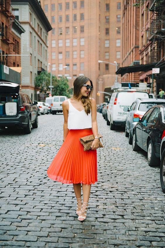 how-to-style-pleated-skirt-the-wardrobe-essential .