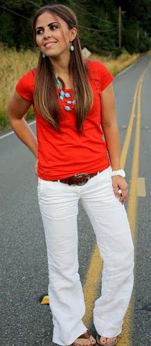 Red t-shirt, white pants, turquoise necklace | Fashi