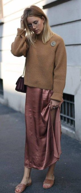 30 Stylish Fall Outfit Ideas You Should Try | Brown maxi dresses .