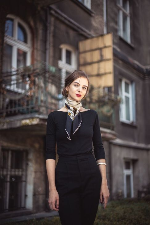 99 Modern Black Outfit Ideas For Winter To Try | Silk scarf style .