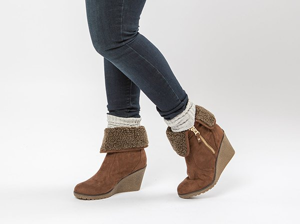 How to Style Side Zip Boots: Top 15 Stylish & Clean Outfit Ideas .