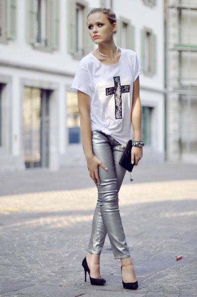 How to Wear Silver Leggings: 15 Chic & Stunning Outfit Ideas .