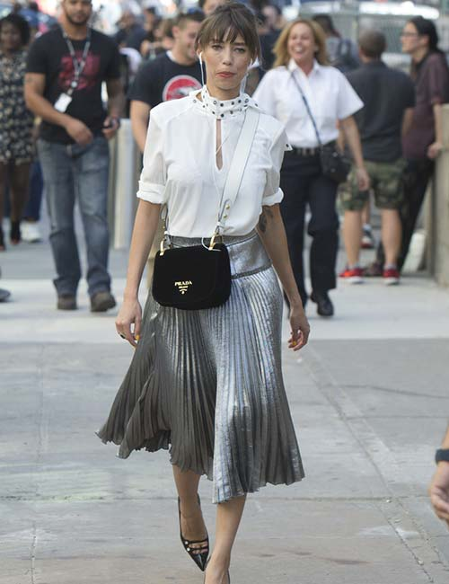 17 Best Ways To Wear A Pleated Skirt - A Guide To Various Styl