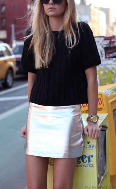 Great look | Fashion, Metallic skirt, Silver ski
