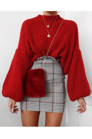 The Cutest Outfit Ideas to Wear Mini Skirts This Winte