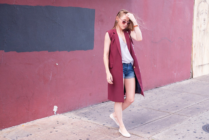Sleeveless Trench Coat: Two Ways to Wear It - Gold Lion Sty