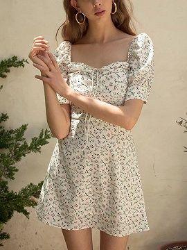 White Chiffon Square Neck Floral Print Puff Sleeve Mini Dress .