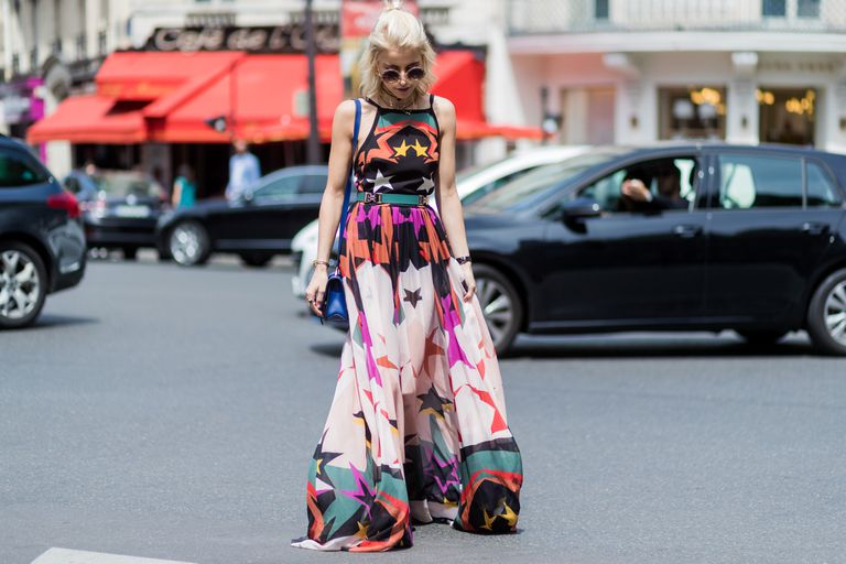 What Is a Maxi Dress and How to Style