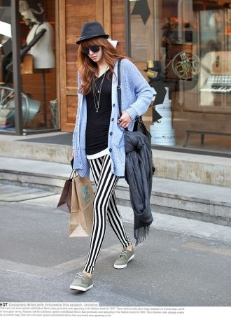 Black White Vertical Striped Leggings | Striped leggings, Clothes .