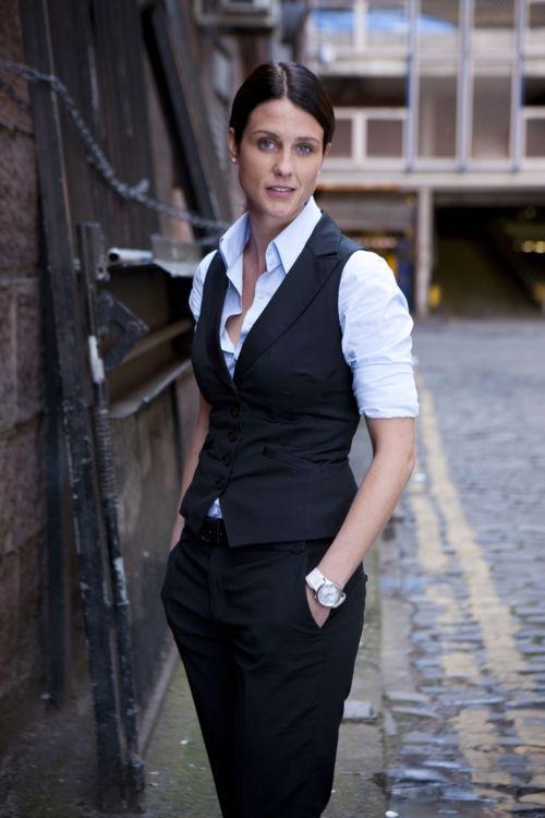 36 Woman Vest That Look Fantastic | Suits for women, Vest outfits .