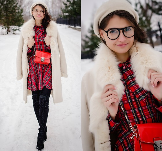 Plastylina ❤ - - Plaid Dress Outfit Idea | LOOKBO
