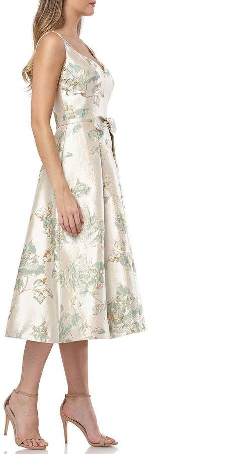 Carmen Marc Valvo Floral Brocade Sweetheart Sleeveless Tea-Length .