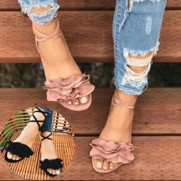 Flat sandals 2019. Flat sandals 2019 trends. Flat sandals outfit .