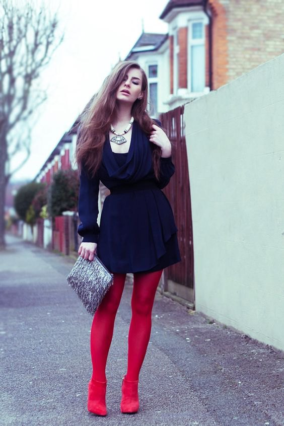 15 Best Outfit Ideas on How to Style Red Leggings - FMag.c