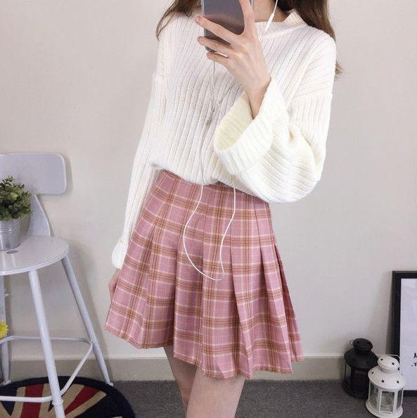 CosmoCorner Plaid Pleated Mini Skirt | Plaid pleated mini skirt .