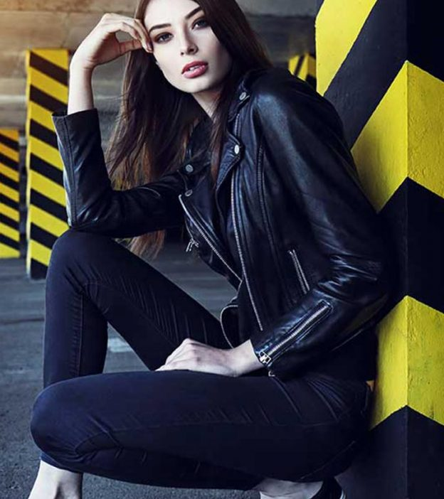 What To Wear With Black Jeans - 20 Styling And Outfit Ide