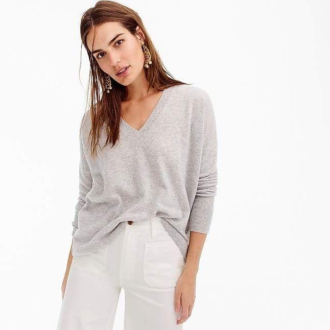 V-neck Boyfriend sweater in everyday cashmere | Cashmere sweater .