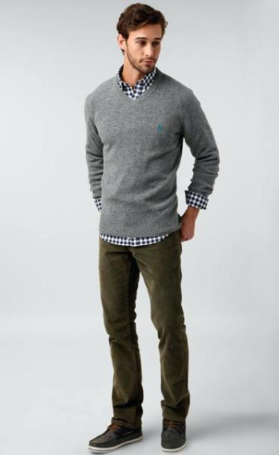15 Men Outfits With V-Neck Sweaters - Styleohol