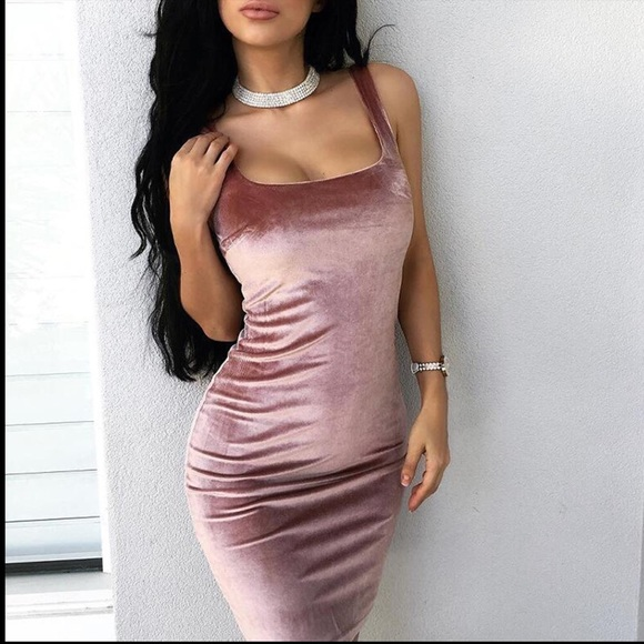 lilspice closet Dresses | Breanne Pink Velvet Bodycon Dress | Poshma