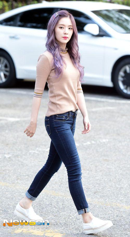 Red Velvet (레드벨벳) Updates | Gaya berpakaian, Model pakaian, Wani