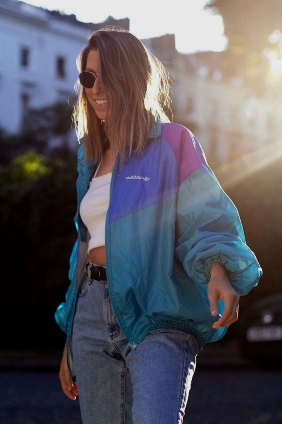 18 Outfits With Windbreakers glamsugar.com in 2020 | Windbreaker .