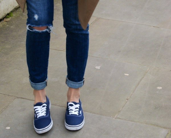 How to Style Walking Sneakers: Top 15 Lovely & Youthful Outfit .