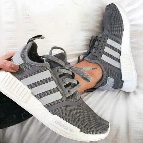 30 Chic Summer Outfit Ideas - Street Style Look. | Adidas shoes .
