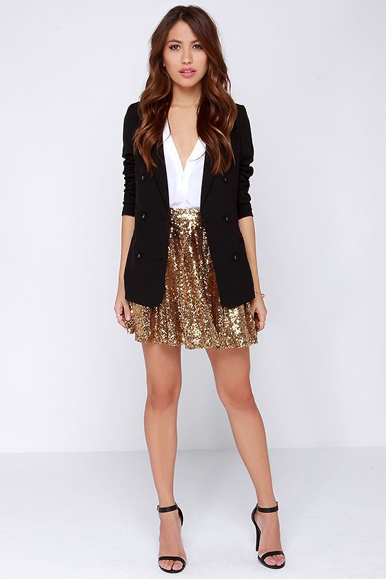 6 smart ways to wear a gold skirt | Sequin outfit, New years eve .