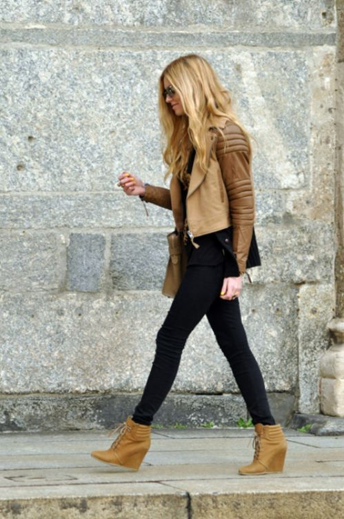 27 Trendy Wedges Boots Outfits To Rock In The Fall - Styleohol
