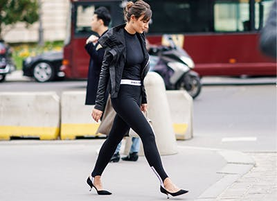 The Best and Worst Tops to Wear With Leggings - PureW